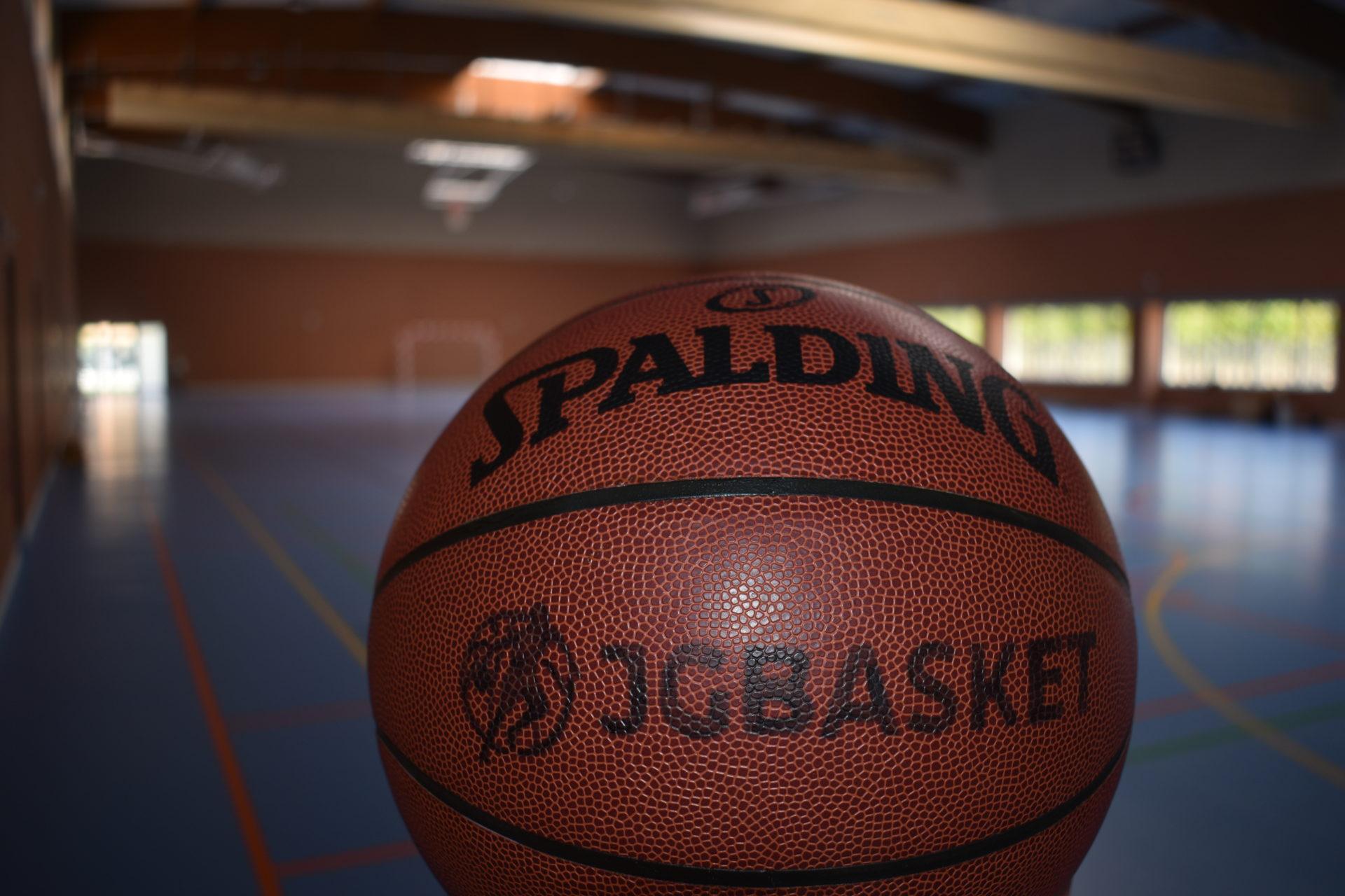 Pelota JGBasket. Pabellón Colegio Nueva Castilla Madrid